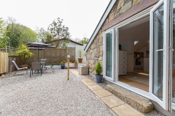 Detached Garden Studio Near St Ives with parking - Lelant - Casa