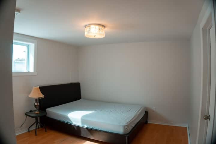 Cozy apartment 15min away from downtown