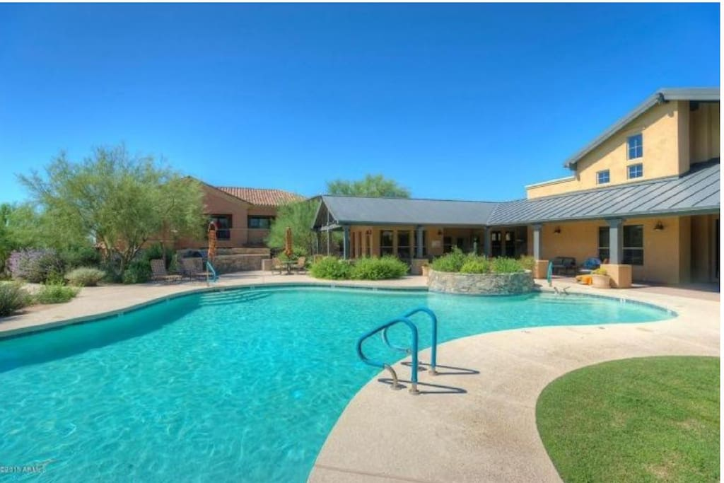 Serene pool and hot tub minutes away from your front door