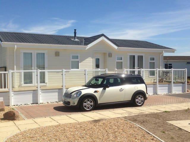 Bracklesham Bay beach lodge