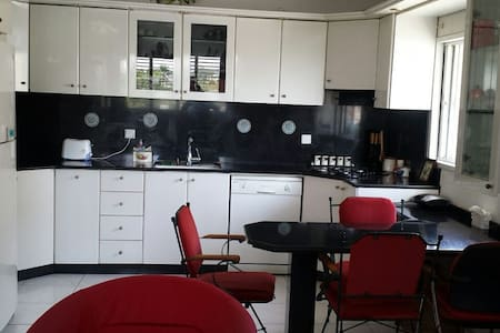 Large and Beautiful two level apartment with view - Petah Tikva - Apartemen