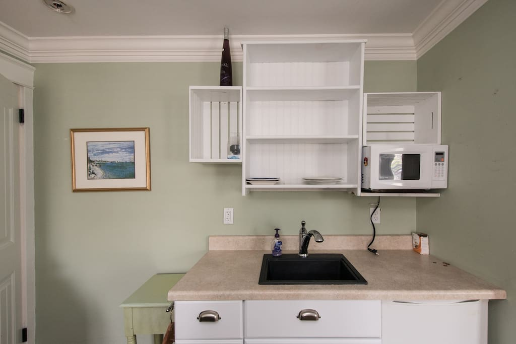 Kitchenette area in studio