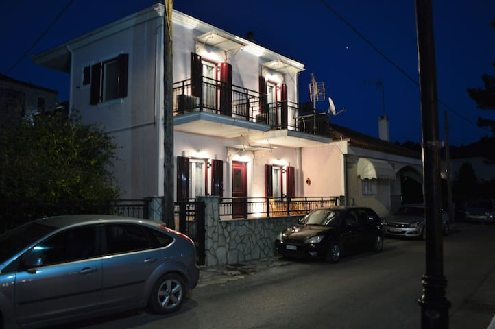 Captain's House - Lefkada - House