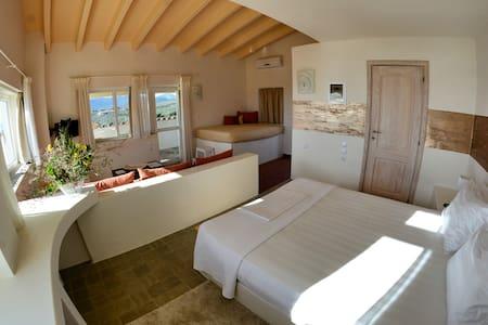 Golden Sea View Suite