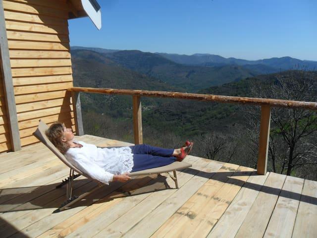 gite chalet au sud de l' Ardèche en pleine nature