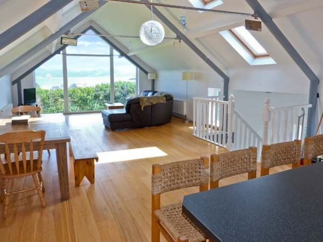 Holiday Home with Ocean Views near Skellig Michael