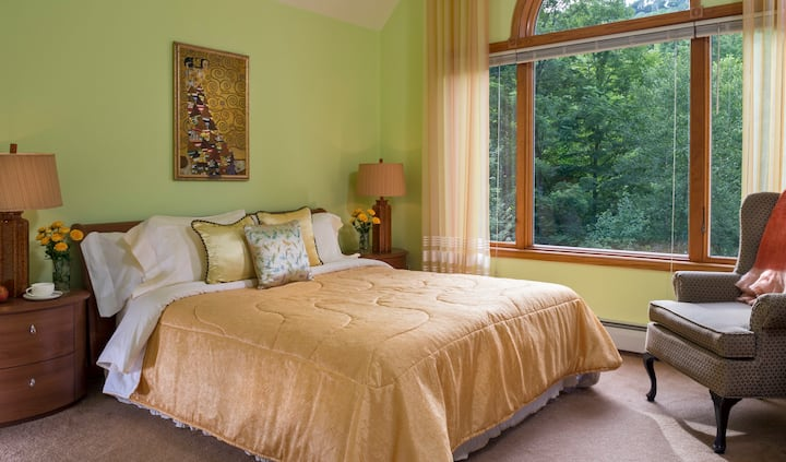 Cherry Valley Manor B&B in Poconos: Serenity Suite