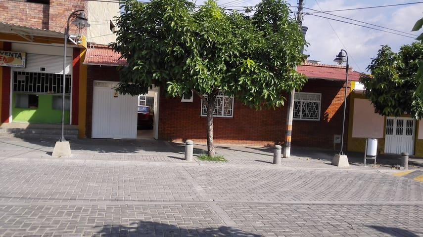 Fresh House in Anapoima close to central Park - Anapoima - Ev