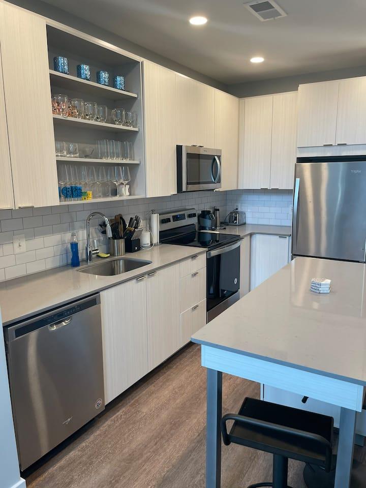 Luxury Loft Apartment in  Rockville, MD!