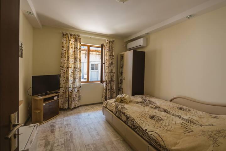 ⚜️Victoria Hotel Room 2⚜️