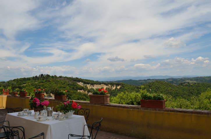 Villa Strozzi -Tenuta di Collegalli - Montaione - Villa
