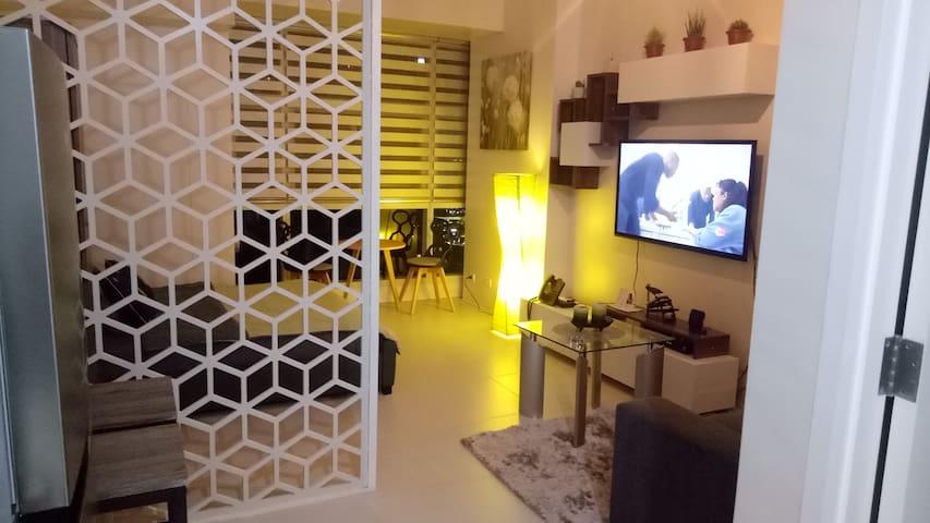 NEW Cozy 1BR studio Greenfields, near Shangri-la