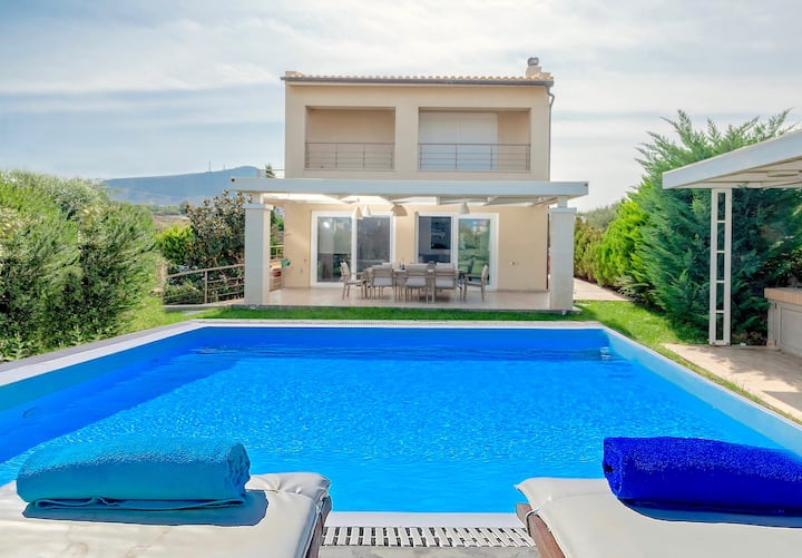 Beach Villa Penelope with private pool