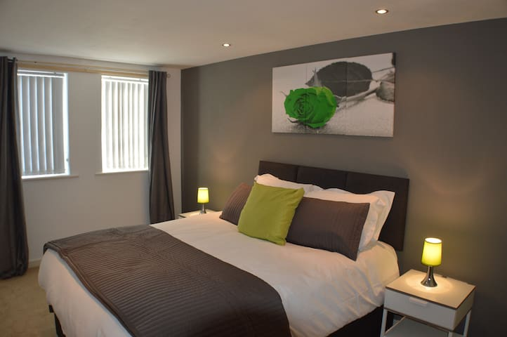 Inspired Exchange Quay - 3 Bed Exec Apartment - Salford - Apartment