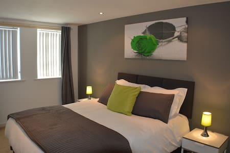 Inspired Exchange Quay - 3 Bed Exec Apartment - Salford