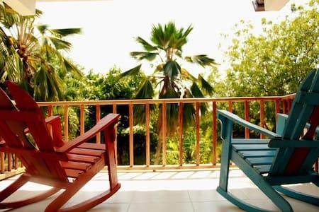House in Barú into nature close to Playa Blanca. - Gästehaus