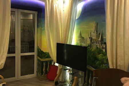 Очень красивая, большая квартира в доме на реке - Zheleznodorozhnyy
