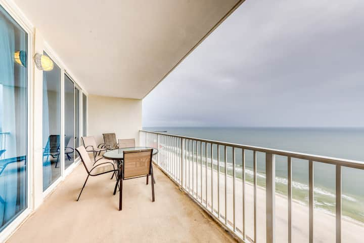 Gulf-front condo w/ multiple on-site pools & hot tubs - near shopping & dining!