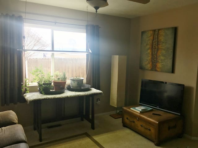Home Away From Home - Private Room, Near Airport!