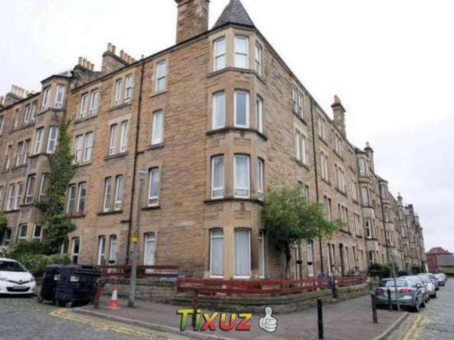 The road Shandon Place/Merchiston Grove EH11