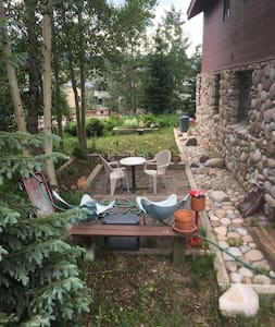Sleeps 2,Walk to Lift,Bike & Hike trails close