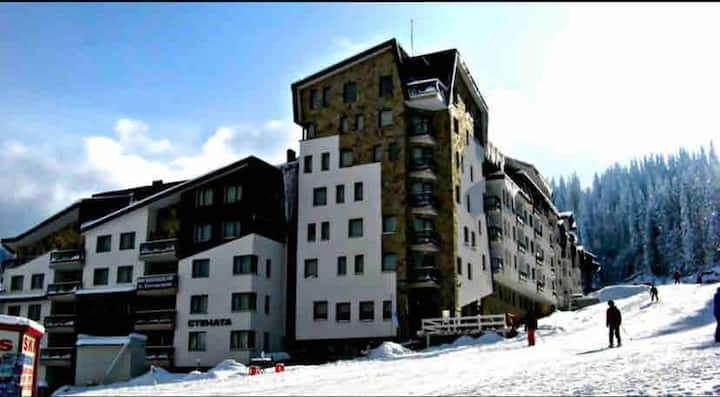 Stenata Aparthotel Huge Ski-to-Door Apartment