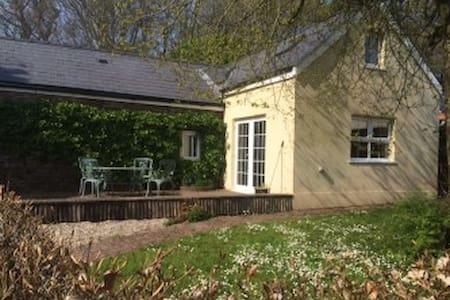 Garden Cottage - Narberth, Pembrokeshire - Sarn