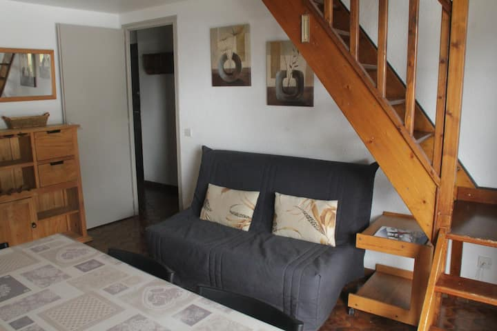 3 roomed mezzanine apartment 6/7 personnes