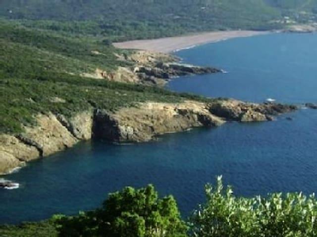 Maison entre mer montagne et chemins de randonnées - Santa-Reparata-di-Balagna - Casa
