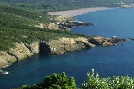 Maison entre mer montagne et chemins de randonnées - Santa-Reparata-di-Balagna