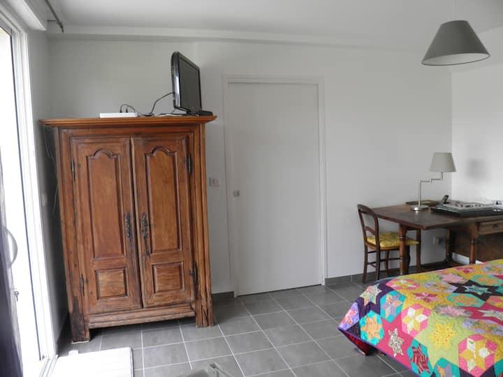 chambre avec salle de bain privative