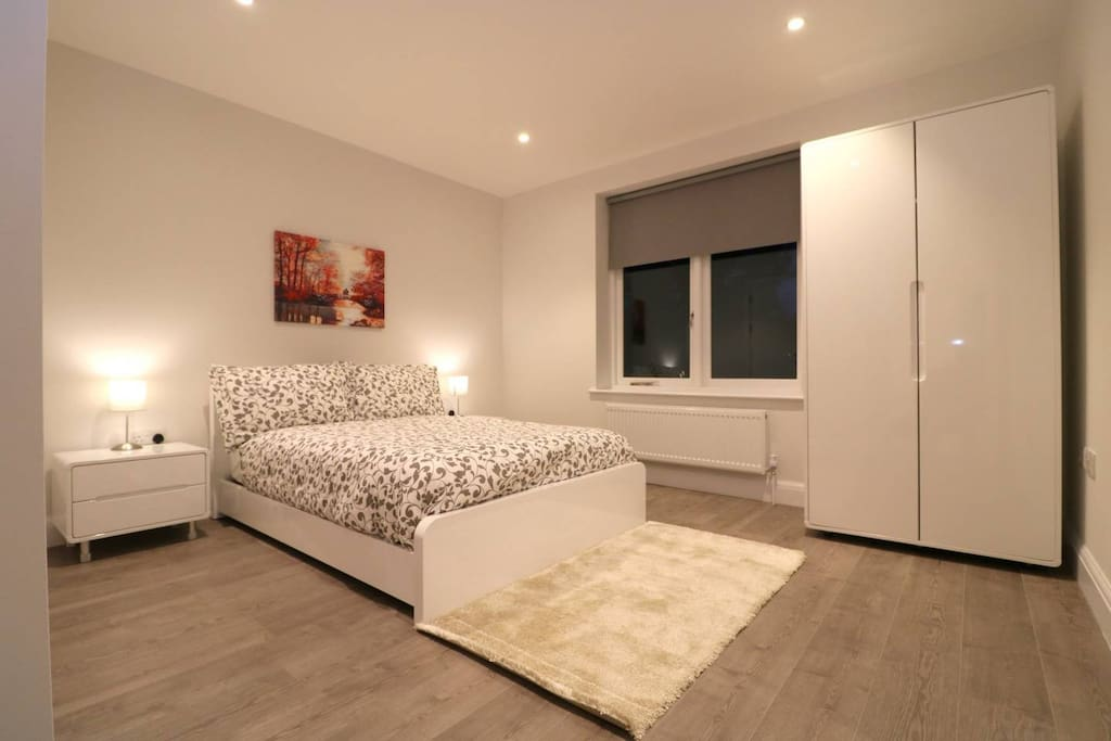 2 Bedroom Flat In Ealing W13 Apartments For Rent In London Greater London United Kingdom