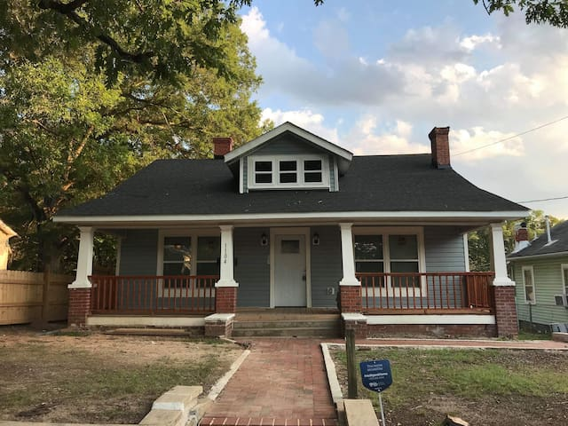 Huge newly renovated house near downtown Durham