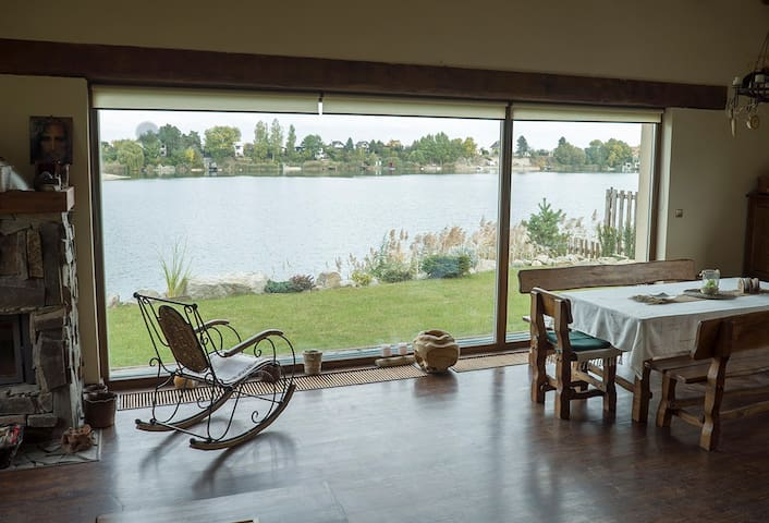 Artist Lake House -Private Beach- Technology Detox - Bratislava Region - Hus
