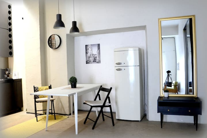 A beautiful studio near old town - Tallinn - Apartament