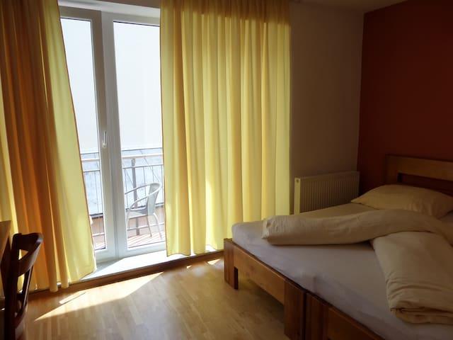 City Centrum / CC/ ROOMS / 100m Centrum - Prešov - Bed & Breakfast