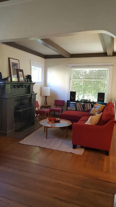 Spacious living room with fully loaded cable tv