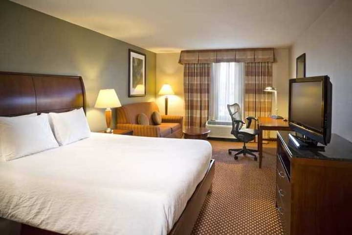 ☻♕✪ Family Double Bed At White Marsh ☻♕✪