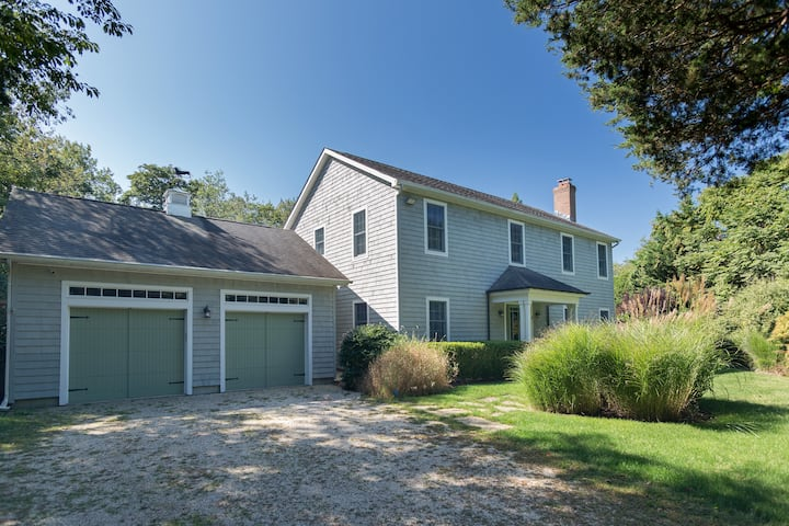 Private 4 Bed w/ Pool near Beach in Sag Harbor