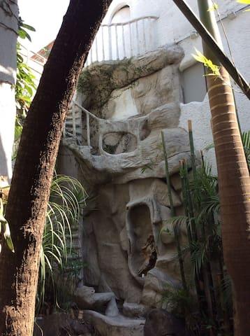 """Habitación con terraza """"Milá"""" - Querétaro  - Hus"""
