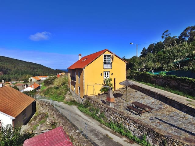 Traditional galician house with seaviews - Laxe - Dom