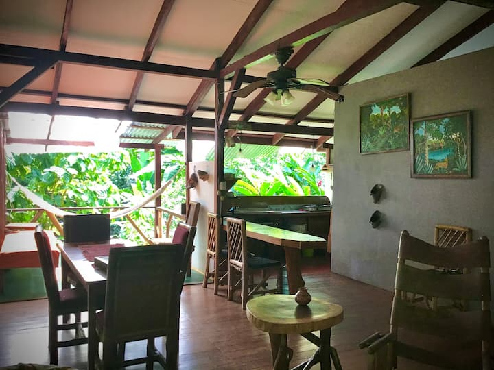 Beautiful 2 Bedroom Jungle Loft 🌞 Playa Chiquita