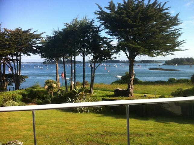 Room Berder with view on the Golfe de Morbihan
