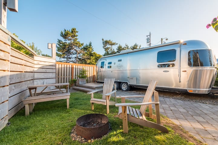 AIRSTREAM BY THE BEACH COASTAL GLAMPING | HOTCAKES