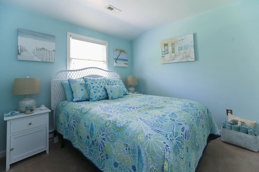 Seaside in the mountains bedroom
