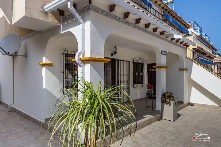 """Casa """"GRACIELA"""" La Mata-Torrevieja"""