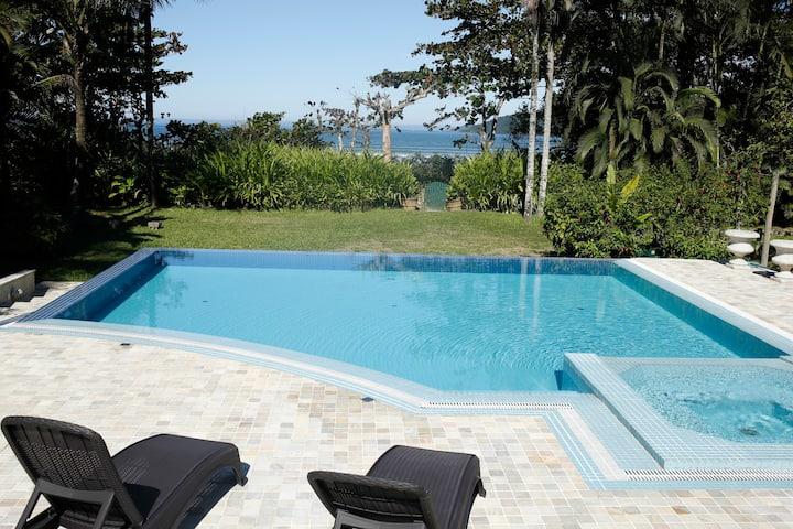 Paraíso no Paraíso. Casa linda frente para o mar