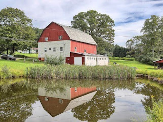 The Red Barn country retreat, for up to 14 guests!