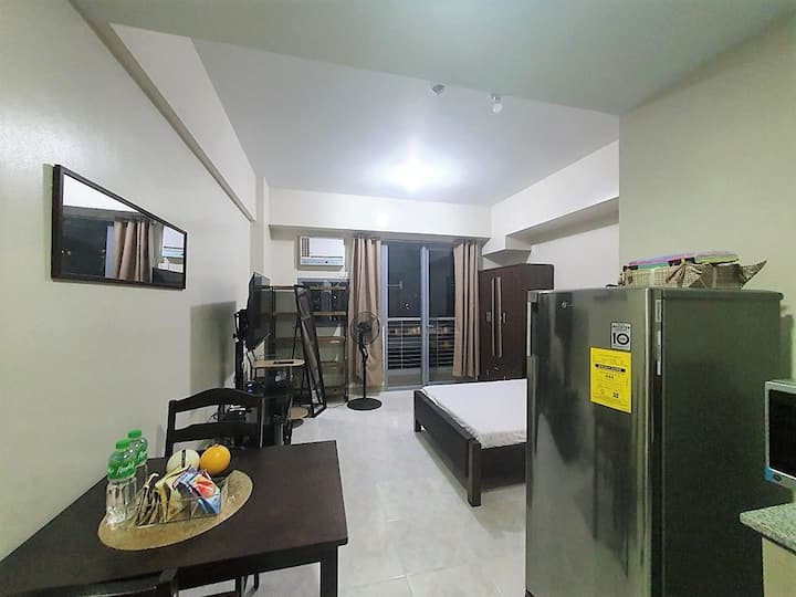 Asmara,St Lukes FREE Parking,Wifi,Netflix,SkyCable