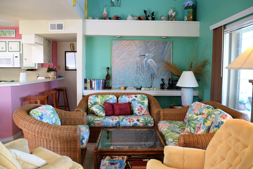 Dolphin House on the Beach-Living Room